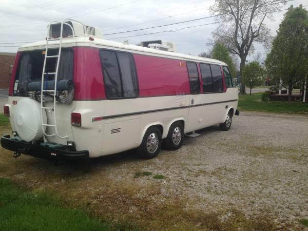 Original 1975 GMC Glenbrook 26FT Motorhome For Sale In Evansville Indiana