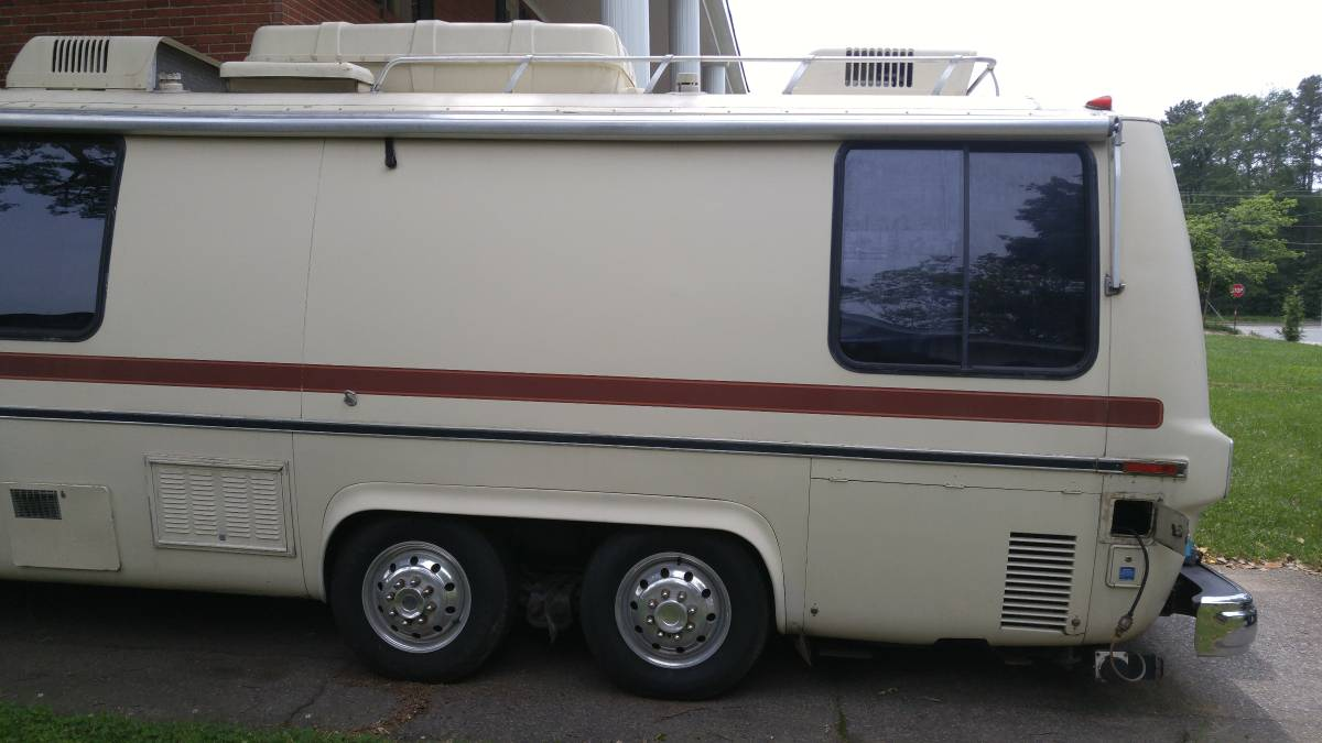 1978 GMC Royal 26FT Motorhome For Sale in Kannapolis, North Carolina